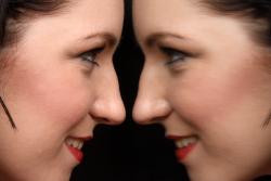 mirror image twin girls