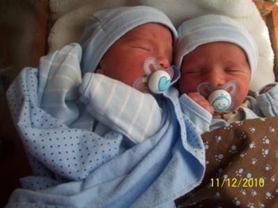 Mikah & Gavin 2 days old