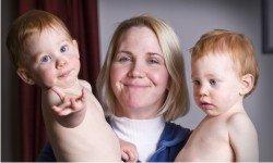 twins use sign language